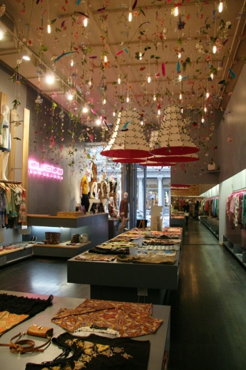 Custo-Barcelona-flagship-store-Francesca-Signori-New-York-03