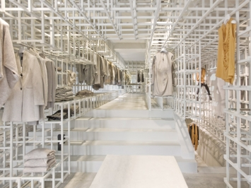 Stills-flagship-store-by-Doepel-Strijkers-Amsterdam